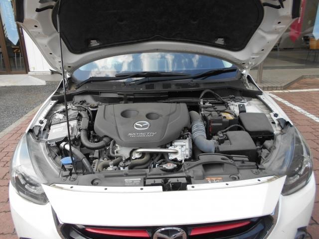 CO2の排出量の少なさなどディーゼルエンジンの長所を最大限に生かし上質で快適な走りを実現させたSKYACTIV-D!