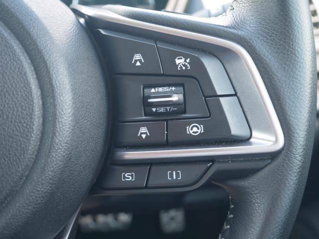 オートクルーズコントロールです。アイサイトが前を走っている車を感知し車間距離やレーンキープ等の車の操作をアシストしてくれるので高速道路での運転も疲労低減になります。