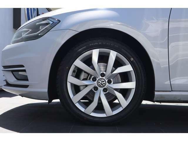 ■右前タイヤ・ホイール状態 気になる傷などがございましたら、商談の際にお気軽にご相談下さい。