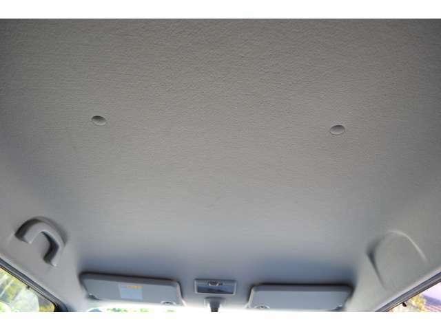 天井も汚れシミ等無く綺麗な状態です!!