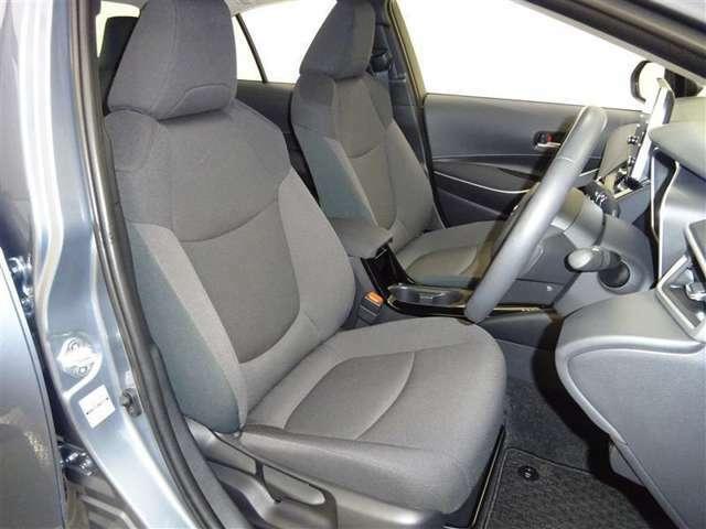 目指したのはすべての人にやさしい空間のフロントシートです♪