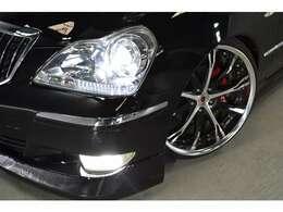 ●エアサスコントローラー付 お手元で簡単に車高の調節が行えます●有名ブランドWORKシュバート20インチ●新品タイヤ●カラーキャリパー