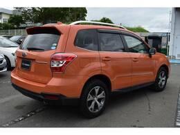 SUBARU認定U-Carとなります。希少なオレンジカラーのフォレスターです。