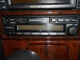 純正カセット、ラジオチューナーデッキ。マルチシステムと連動の為、こちらも変更不可となりますのでご注意下さい。