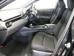 運転席からの視界をぜひ一度お座りになって体感してみて下さいませ(*'▽')