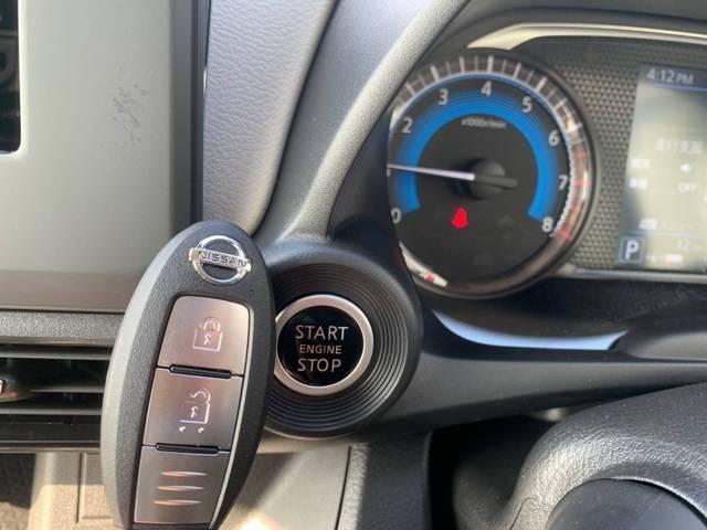 今では軽自動車でも定番★スマートキーで開閉もラクチン♪エンジンもボタン一つでかけられます!!