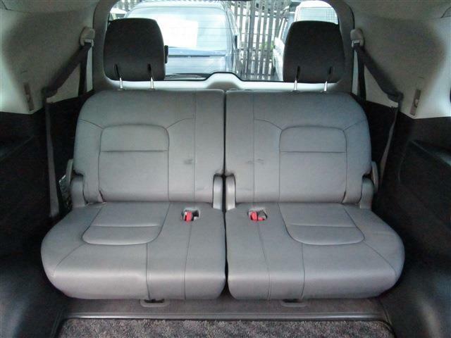 サードシートも非常にキレイです☆特に目立つようなダメージもありません!