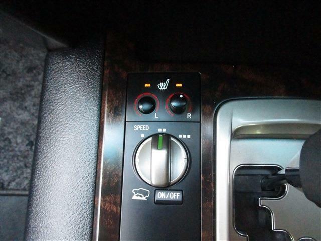 クロールコントロールスイッチにシートヒーターも装備☆