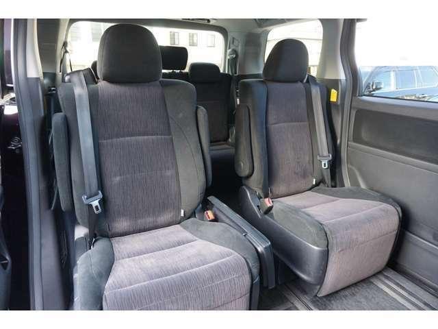 ★セカンドシートも広々とした空間で快適ドライブ!!★