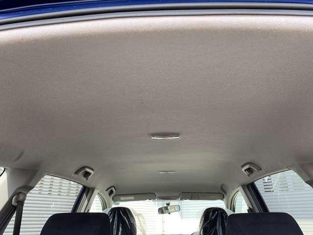 内装大変キレイな状態を保っています! 当店の在庫車両は全車高温スチームによる除菌クリーニングと専用機器による車内丸ごと水洗いクリーニングを実施しており安心してご購入をして頂く事が出来ます!!