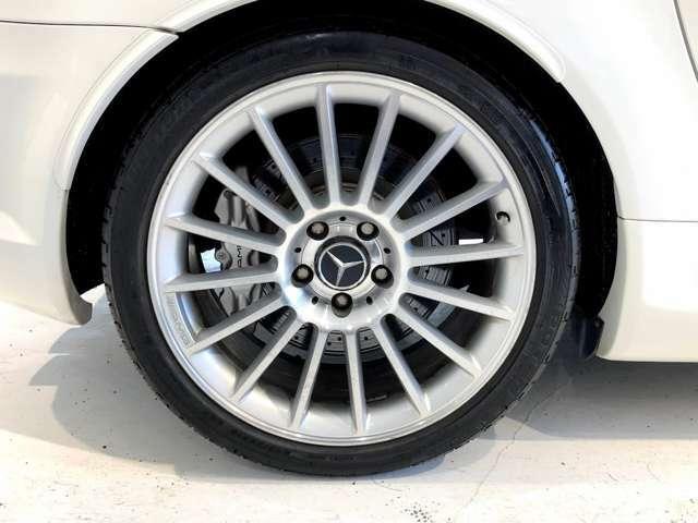 タイヤサイズ:前225/40R18 後245/35R18