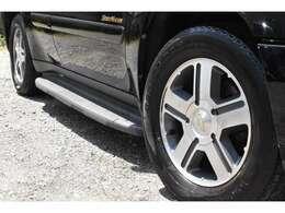 このお車のサイズは、長さ【491cm】幅【190cm】高さ【176cm】車両重量【2150kg】となっております♪TEL:0725-32-0770