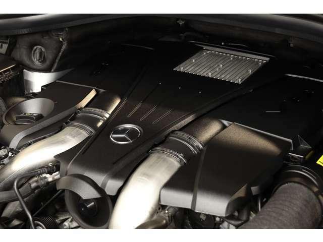 4,700cc V型8気筒DOHCツインターボエンジンを装備!カタログ値435psを発生し、街乗りで力強い走りを実現!7GトロニックPLUSによるスムーズな加速も魅力的です!