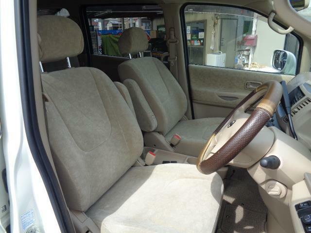 ゆったりとした運転席!ロングドライブでも疲れません!