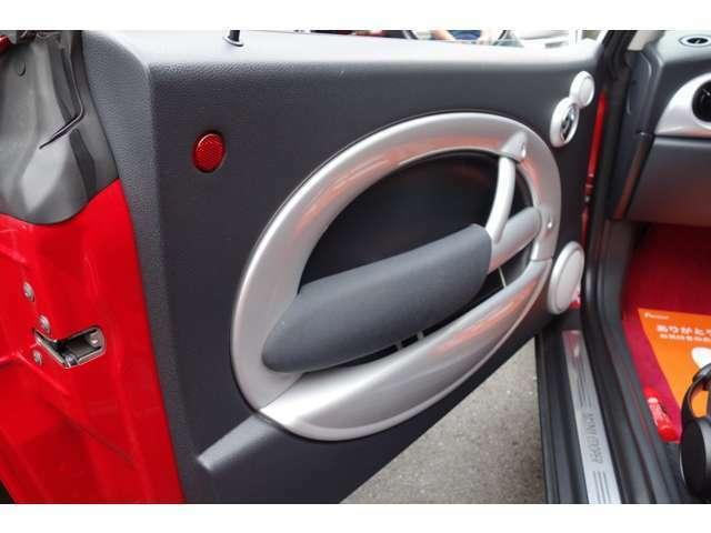 BMW・MINIクーパー05モデル!人気のレッドII安心の当店ユーザー様フルメンテナンス車両。人気のレッド・ホワイトルーフ仕様!走行距離は多めですが、きっちりとメンテナンスされた車両となりますのでお薦めです。