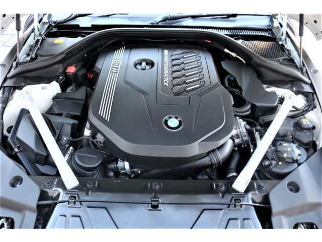 3L 直列6気筒M Performanceツインパワー・ターボ・エンジンを搭載!!