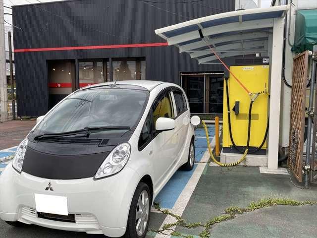 ・EV専門店として急速充電器を設置。また充電器の販売、設置も行っています。