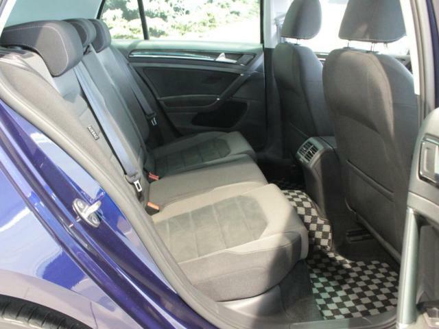 人間工学に基づいて作られたシートは、ロングドライブでも疲れにくいです。