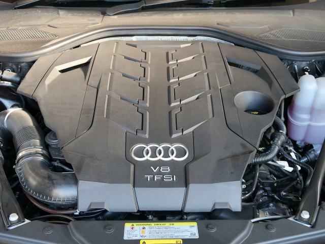 <TFSIエンジン>排気量を拡大することなく、燃費の向上とハイパワーを実現します。