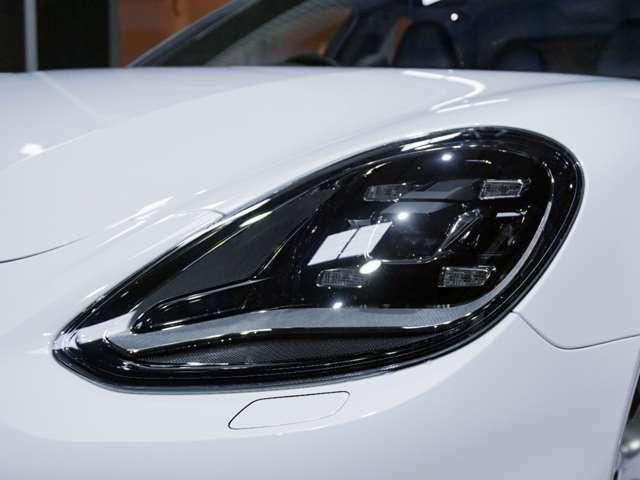 オプション:LEDヘッドライト 、PDLS Plus付 117,000円