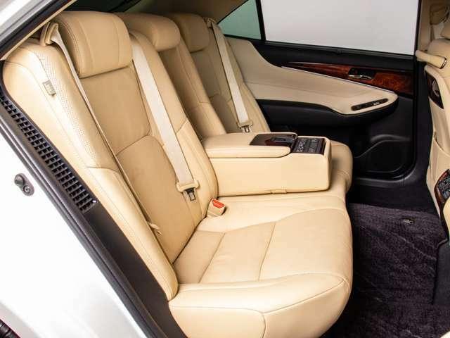 車内も非常に綺麗なお車ですので気持ちよくお乗り頂けます。