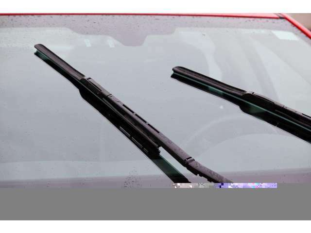 スマイルセットNo.9 【フロント用撥水専用ワイパーラバー】フロントガラスに撥水加工を施工するため、ワイパーのビビリなどを抑制するための専用ワイパーゴムをご用意致します。