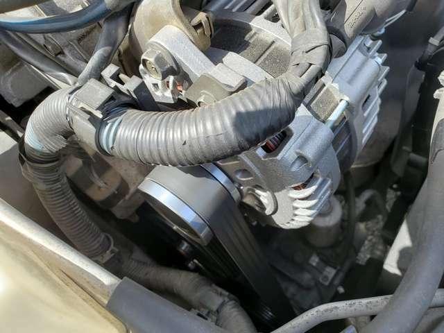 エンジンオイル、オルタネーター、ファンベルト、テンショナー、ウオーターポンプ交換整備済みです。