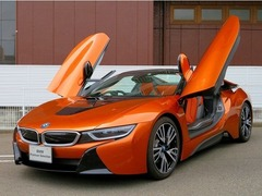 BMW i8ロードスター の中古車 ベースモデル 広島県福山市 1588.0万円