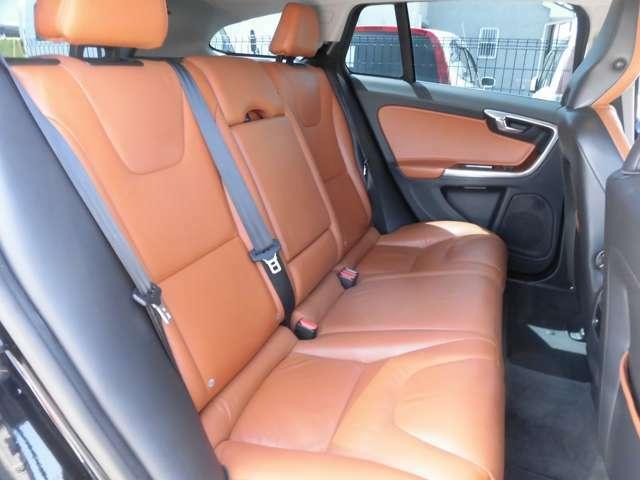 パワーシートで細かな座席の調節が可能です。快適なドライブができます。
