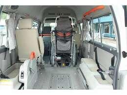 関西大型福祉車両専門店で専門スタッフがカーライフをサポートします!まずはお気軽にお問い合わせ下さい。【車いす装着例】