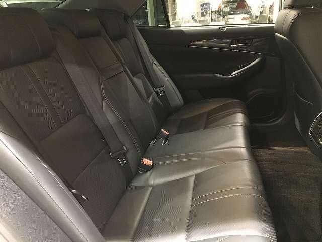 車内もキレイで嫌な臭いもありません☆車内の臭い、汚れが気になる方は内装のスチームクリーナーも施工可能です♪