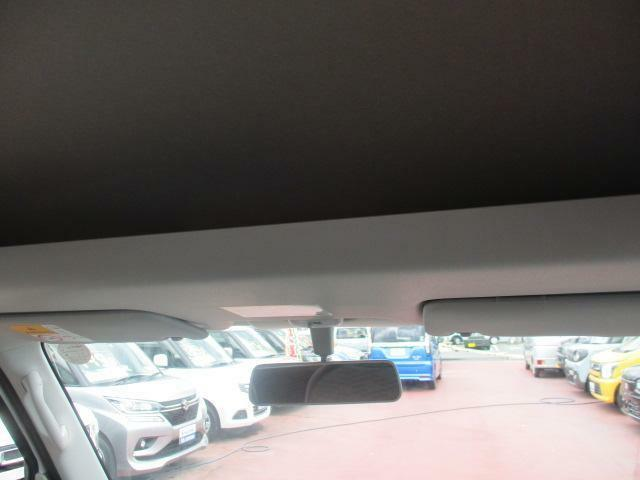 【収納】運転席・助手席上部に、収納スペース完備です♪収納はいくつあってもいいですね♪