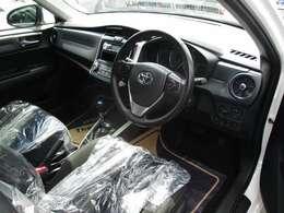 車内清掃済みです。内装色は黒系です