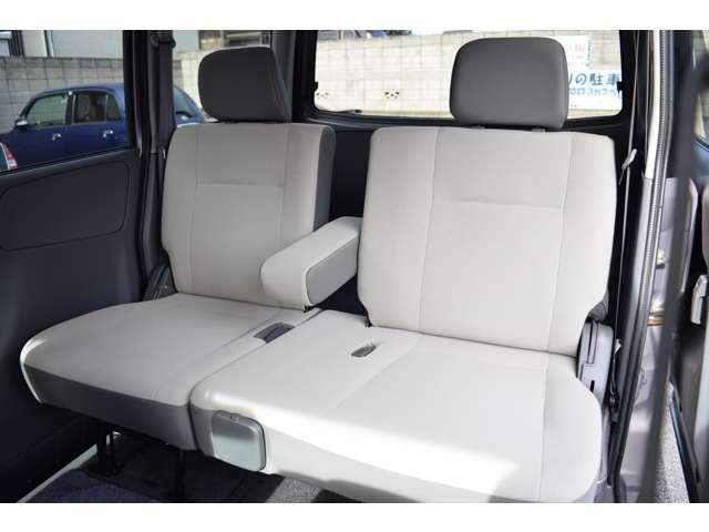 ◆後席左右独立スライドシート採用・アームレストも付いていて、ゆったりご乗車出来ます◆