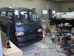 当店で購入されていないお車でも車検・鈑金・塗装など承ります!お気軽にご相談下さい!
