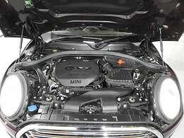BMW製1.5L直列3気筒ターボエンジン。136PS/220Nm(カタログ値)