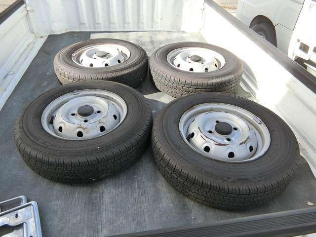 タイヤ4本残り9部山有のノーマルホイール、タイヤ付