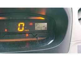 走行距離約2.8万kmのお車です!長く乗るにはピッタリのお車です!視認性も良く、ガソリンの残量も一目でわかります!