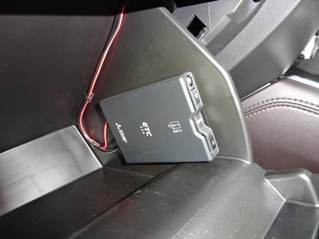 カード決済でお支払いが簡単です。有料道の料金所もノンストップで通過することが出来るETC車載機を装着しております。有料道によっては割引価格の対象になる事もございます。
