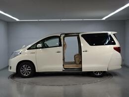 お客様のご都合で内装のクリーニングを22000円で承っております。外装修理も格安で承ることも可能です。それぞれの車の状態に関しては詳細お答えいたしますのでお気軽にお問い合わせください。→