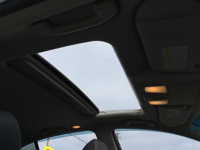 【サンルーフ】天気のいい日や星空を見て楽しんでいただくこともでき開放感のある車内空間となります!