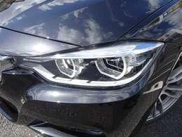 LEDヘッドライトが、BMWの存在感を発揮します!