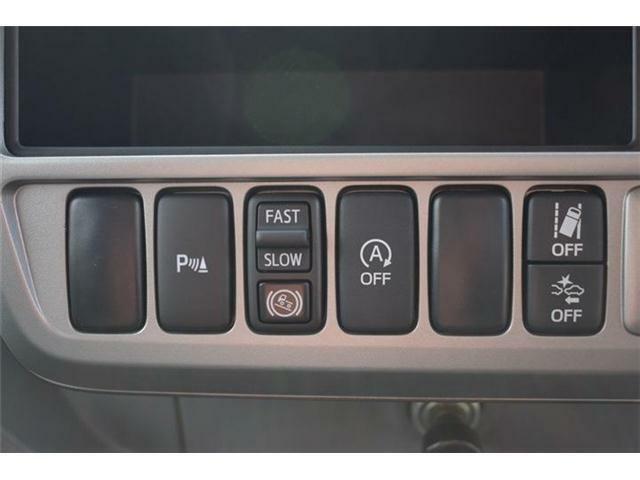 ■アイドリングストップ トラクションコントロールも付いています■トラクションコントロールはタイヤの空転を抑えます■
