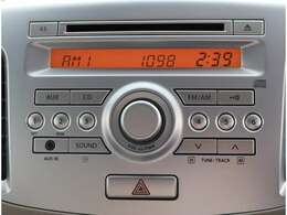 お手軽に音楽を楽しめる、AM/FM付きCDチューナー♪