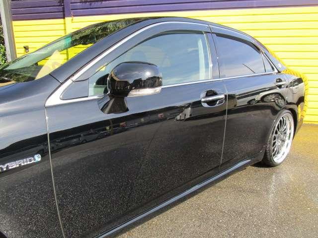 Aプラン画像:浸透タイプのガラスコーティングです。鉄粉落とし、下地の磨きでキズを取り除き、塗装面を蘇らせます!