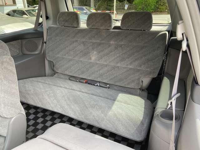 サードシートも使用感なく綺麗です!