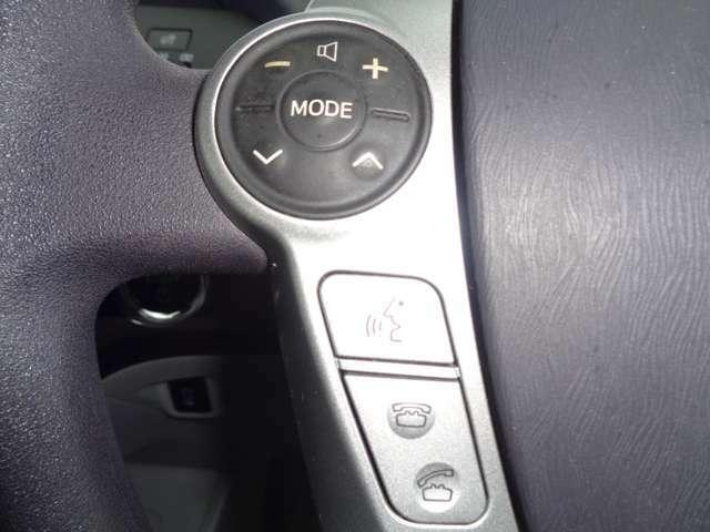 ☆ステアリングスイッチ☆ ハンドル脇のスイッチで音量、モード変更等のオーディオ操作が可能です!