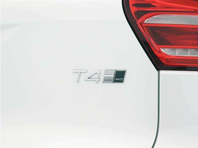 【T4 AWD】ごく低回転から発生されるゆとりあるパワーが、路面状況を問わない扱いやすさの源です。