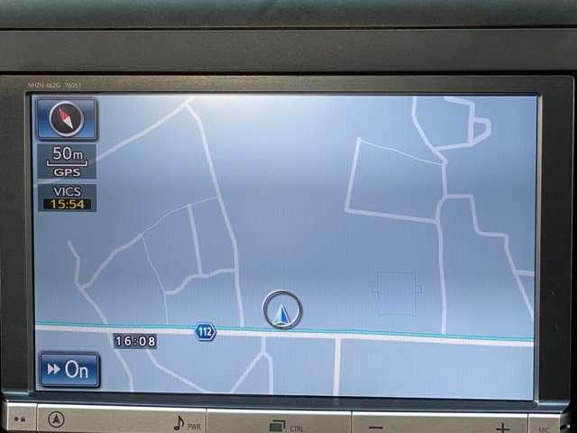 地デジ内蔵HDDナビ取付サービス可能。(弊社規定品、条件有、詳しくはスタッフまで)HDDナビ・フリップダウンモニターなどオプション品の取り付けもお任せください。また、こちらのナビはDVD走行中視聴可能