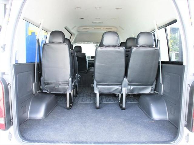 10人乗った状態でも広い荷物スペースを確保できます!グランドキャビンの魅力ポイントです!